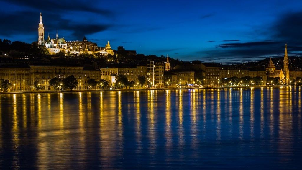 budapest-138976_1280.jpg