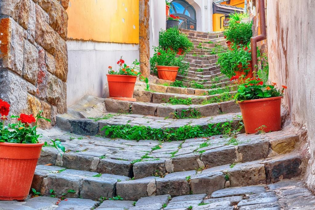 stair-3453937_1920.jpg
